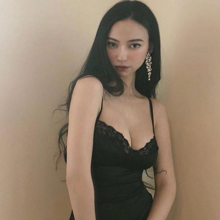 malay lia 19 escort (3)