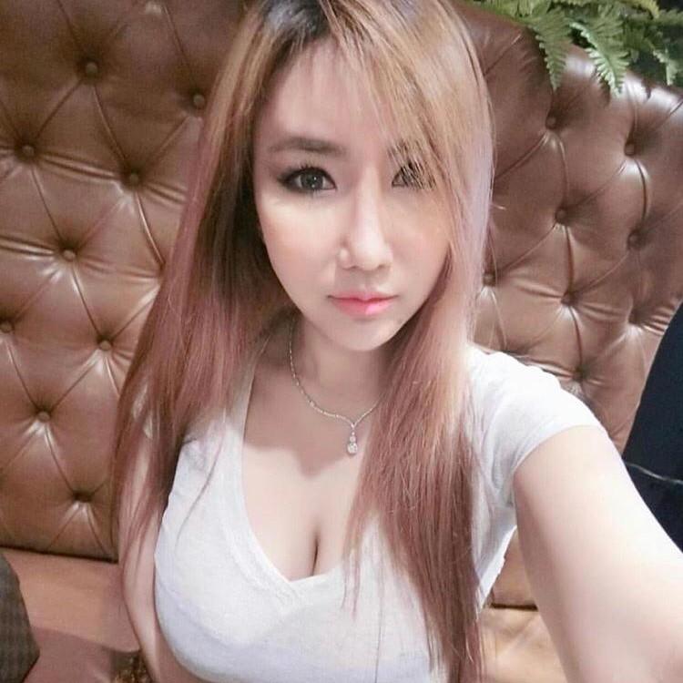 mongolian damia massage girl kl (3)